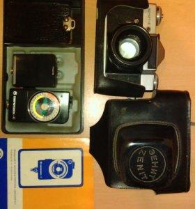 Фотоаппарат Зенит Е,1981 года работает