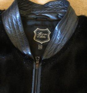 Стильная куртка из меха и кожи