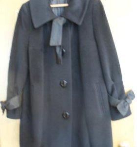 Пальто женское (б/у). Размер 50.