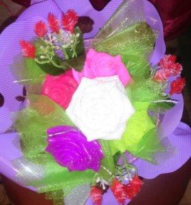 Мыльный букет цветов