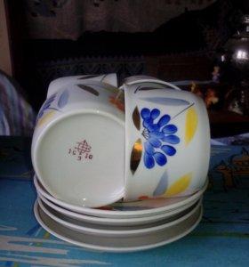Чайные чашки и  чайничек