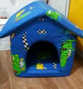 Уютный жилой домик для домашней собачки или котика