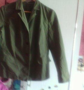 Пиджаки и рубашка