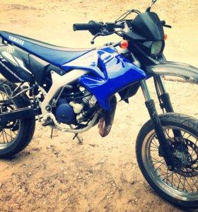 Мотоцикл YAMAHA DT Supermotard