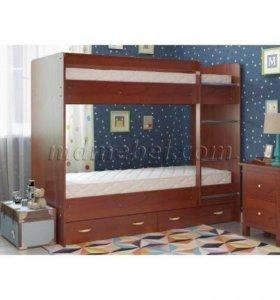 Детская кровать с матрасами