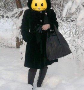 Шуба овчина черная ,капюшон отделан норкой, 95 см.