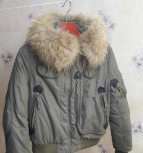Зимняя курточка с натуральным мехом очень теплая