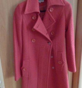 Осеннее пальто для девушки