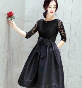 Выходное платье Valentino.Новое.