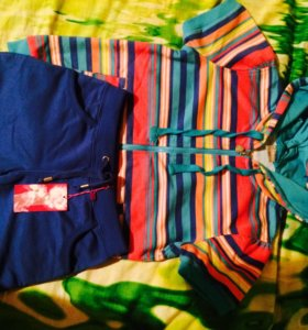 Кофта и шорты ( новые) маркировка 10лет