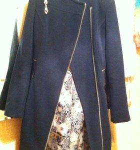 Пальто драповое 42 размер