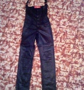 Джинсы и джинсовый комбинезон