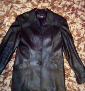 Кожаные пиджак,юбка,жилетка
