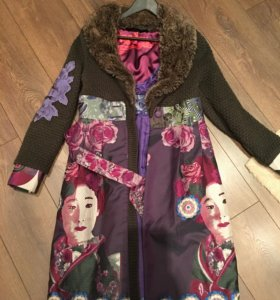 Пальто осень-весна с вышивкой,38 размер