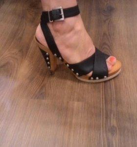 Туфли 37-38 размера Новые