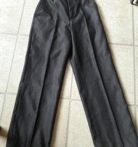 Серые школьные брюки 134рост
