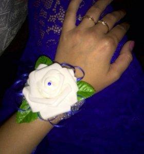 Бутоньерка браслет на руку для подружек невесты