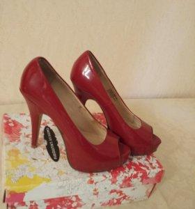 Туфли красные 39