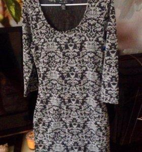 Платье чёрное с кружевами