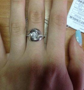 Серебрянные сережки и кольцо