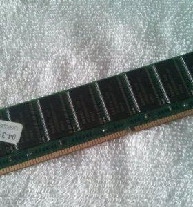 Оперативка одна DDR1 512Mb и две 256Mb