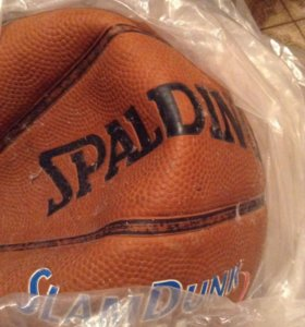 Здутый баскетбольный мяч