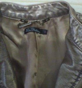 Куртка, кожзам,  размер s.