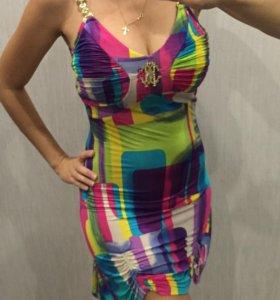 Яркое платье 42-44