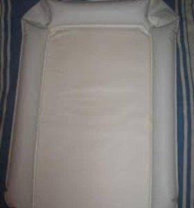 Мягкий матрас для пеленания