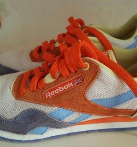 Кроссовки для девочки Reebok размер 36