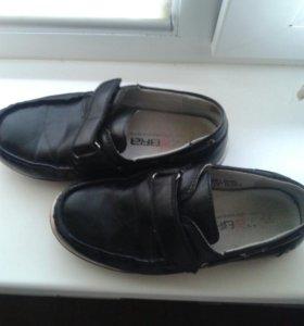 Кожанные туфли 32 раз.