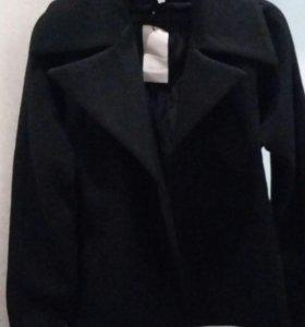 Пальто новое, р.42