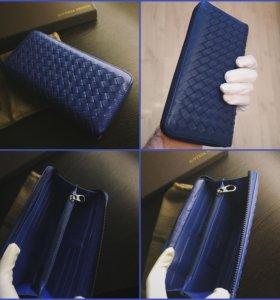 Яркий синий кошелёк на молнии плетеная кожа