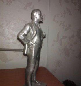 Статуэтка Ленина