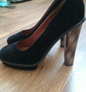 Туфли немного бу,39 размер