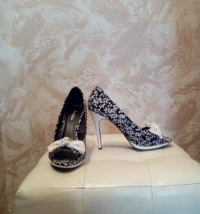 Туфли женские три пары!