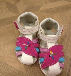 Новые туфли размер 21