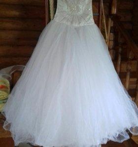 Свадебное платье+бижутерия+перчатки+2 подвязки