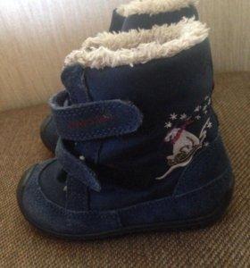 Детские ботинки очень-весна