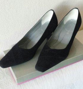 Туфли женские нат.замша черные р.37-37.5