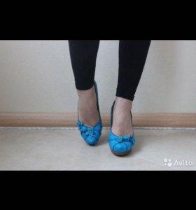 Кожаные туфли бирюзовые