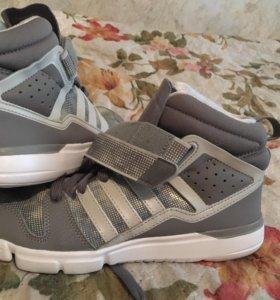 Обувь для тренинга жен. Adidas