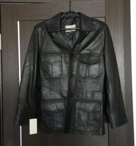 Кожаная мужская куртка-пиджак.