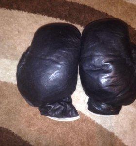 Боксёрские перчатки из кожи