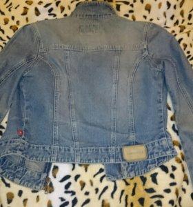 Джинсовая куртка стильная MEXX