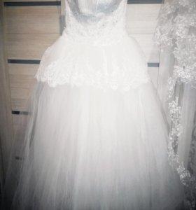 Свадебное платье, фата.