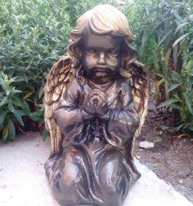 Ангел большой.