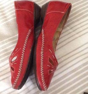 Туфли красные 37 размер. Кожа .