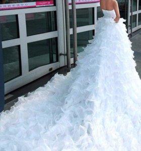 Красивое новое платье!