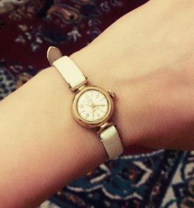 Часы AU